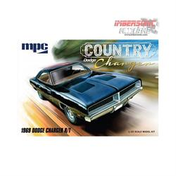 MAQUETA MPC DODGE CHARGER COUNTRY 1969 escala1.25